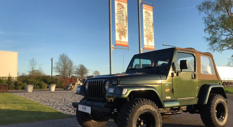 Knappe Jeep Wrangler TJ Sahara uitvoering €17.999,-