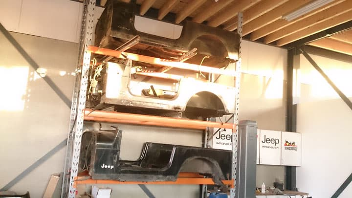Jeep werkplaats | 4Low Budel, Jeep onderdelen en accessoires